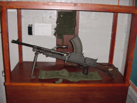 bren gun photograph of scottish army pictures