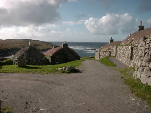 island of lewis dwelling houses pictures and photographs images of Scottish and scotland landscapes