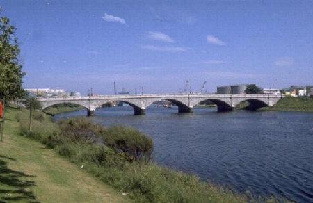 victoria bridge aberdeen torry picture photograph